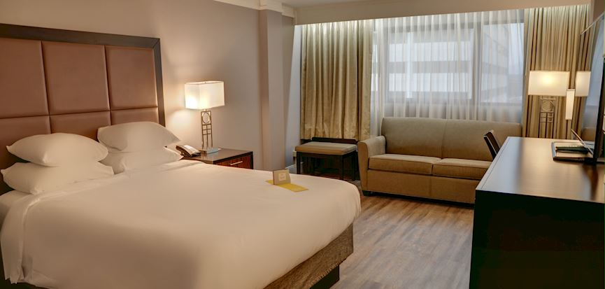 Crowne Plaza Knoxville Downtown University Hotel, Tennessee King Room