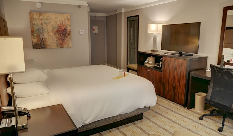 Crowne Plaza Knoxville Downtown University Hotel, Tennessee Concierge King
