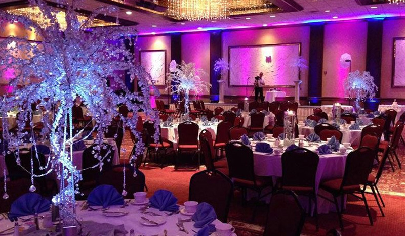 Wedding Venue and Services at Crowne Plaza Knoxville Downtown University Hotel, Tennessee